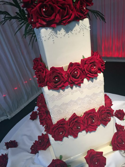 Red Roses & Lace Wedding Cake