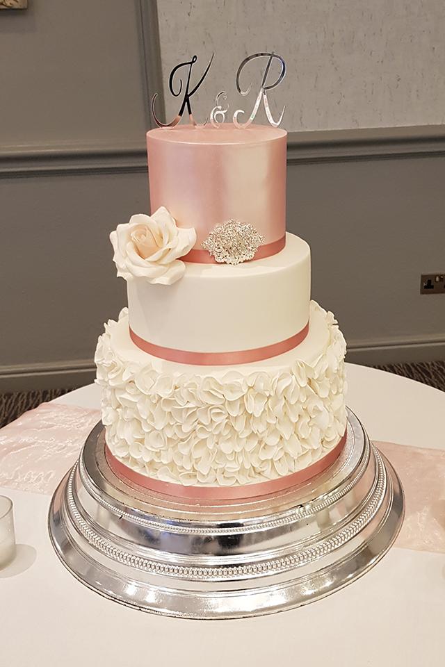 Ruffles Lustre Wedding Cake